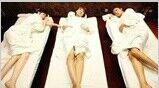 大话娱乐圈(搞笑) :娱乐圈当众穿浴袍出镜的女星