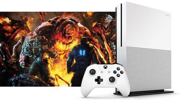 微软发布新款Xbox One S游戏机 并将反击索尼