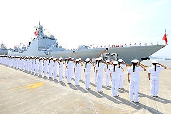中国海军编队起航赴环太军演