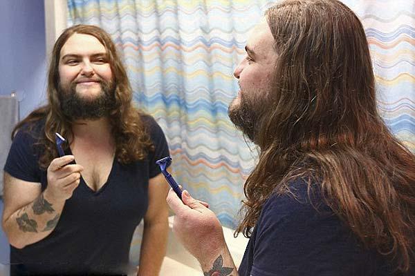 美国女子胡子疯长 称放弃掩饰后变性感
