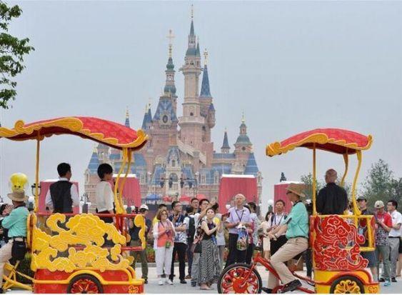 """伊格尔:迪士尼在中国是客人 """"敬意""""中国文化"""