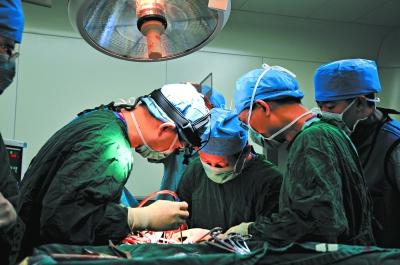 国内医院世界首例人体植入3D打印椎体成功