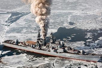 俄罗斯这军舰烧的是柴火吗?