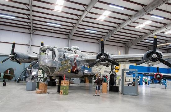 零距离体会B-24轰炸机之美