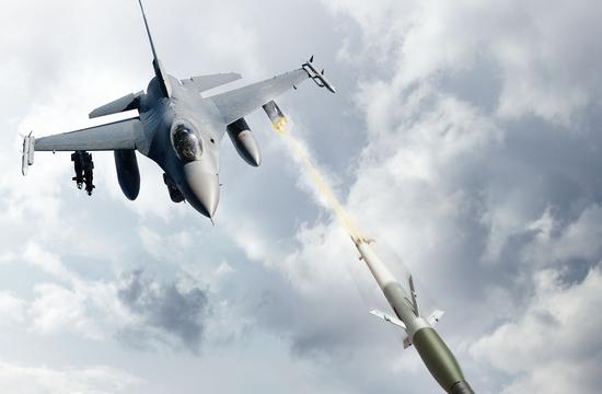 美国空军为F-16装备制导火箭弹