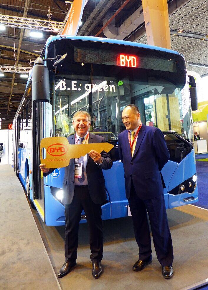 比亚迪在法国获16台客车订单 首台已交付