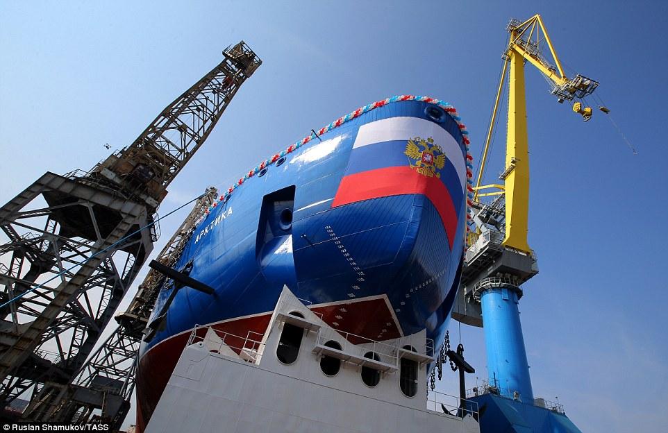 俄曝光全球最大核动力破冰船 可破近4米深冰层