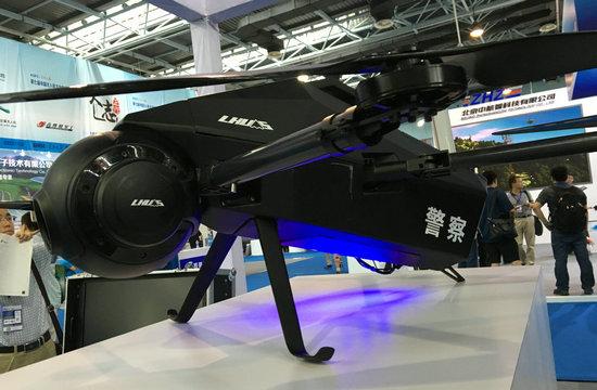 这款警用无人机造型很科幻