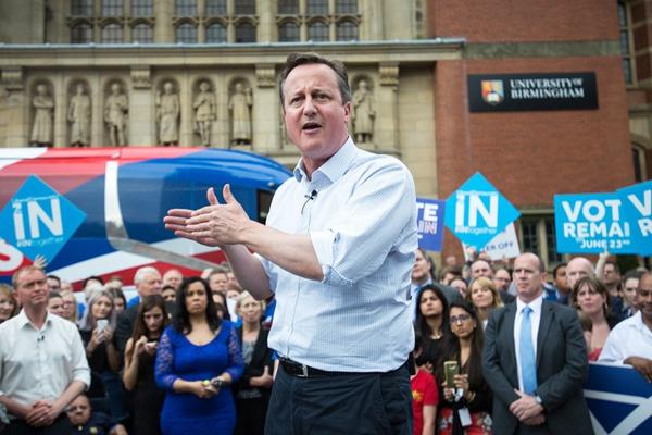 卡梅伦与前首相前往伯明翰 街头演讲呼吁留欧