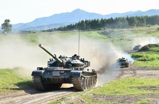 解放军59D坦克群战备拉动