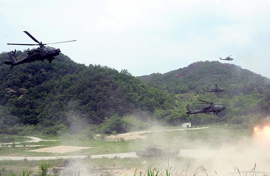韩国阿帕奇刚接收就加入演习