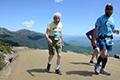 96岁老人连续两年完成山地跑 刷新个人最佳