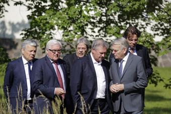 欧盟创始成员国外长就英国脱欧交换意见