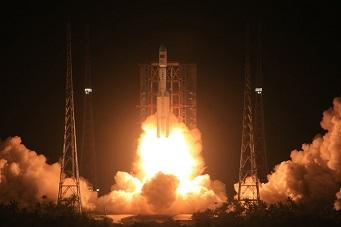中国长征七号新型火箭发射成功