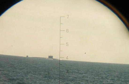 印尼军舰拍摄中国潜艇过马六甲