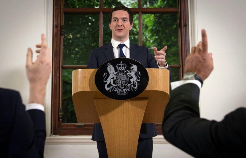 英官员称英经济稳健 然标普下调英最高信用评级