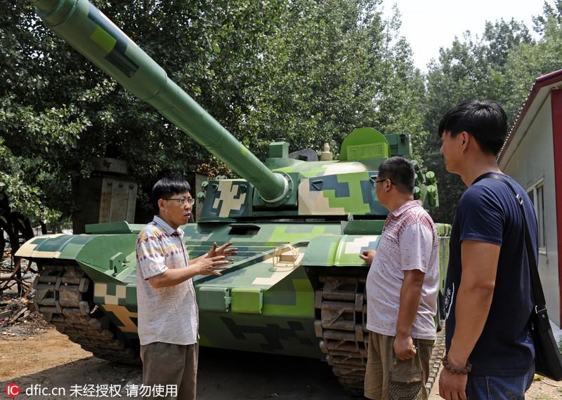 """山东胶州农民造出1:1仿真""""九九式坦克"""""""