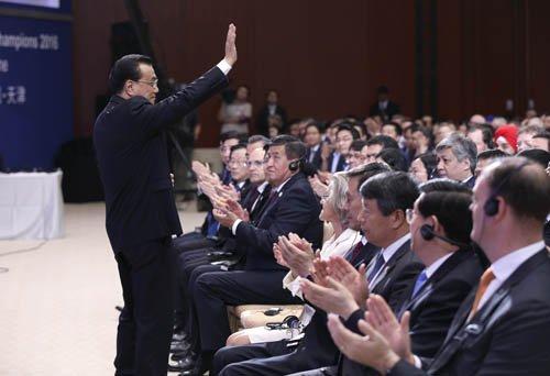 李克强达沃斯发声:做中国经济长期投资者而非短期投机者