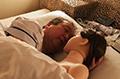 61岁大叔爱上充气娃娃,同睡同行称非常幸福