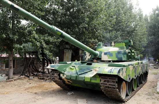 """山东农民造出1:1""""99式坦克"""""""