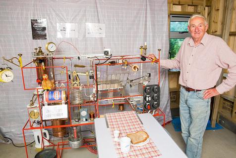 老人耗时1000小时制全自动早餐神器