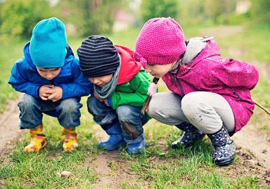 有玩伴不孤单 让孩子健康成长的五大玩伴
