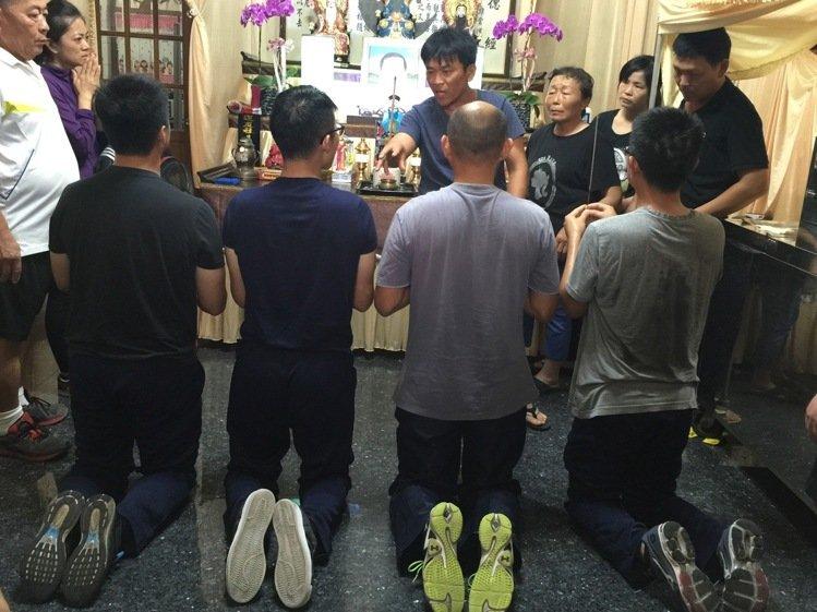 社评:台湾当局应同时管好导弹和嘴巴