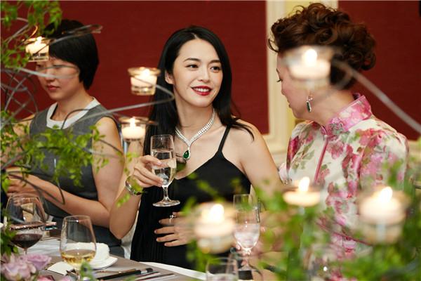 姚晨出席萧邦私人晚宴 佩戴高贵珠宝演绎典雅气质