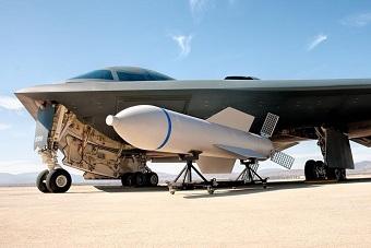什么样炸弹能夷平地下61米目标