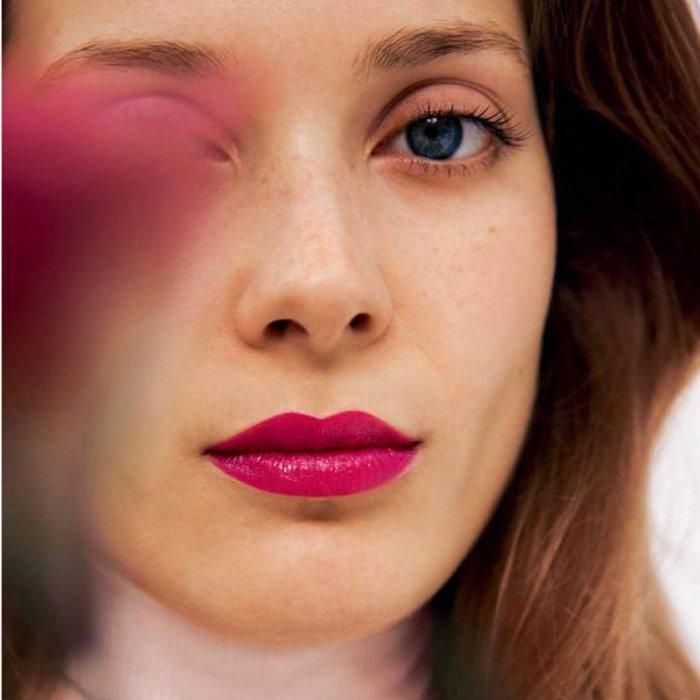 夏季就要明亮起来 法媒教您打造魅力粉色妆容