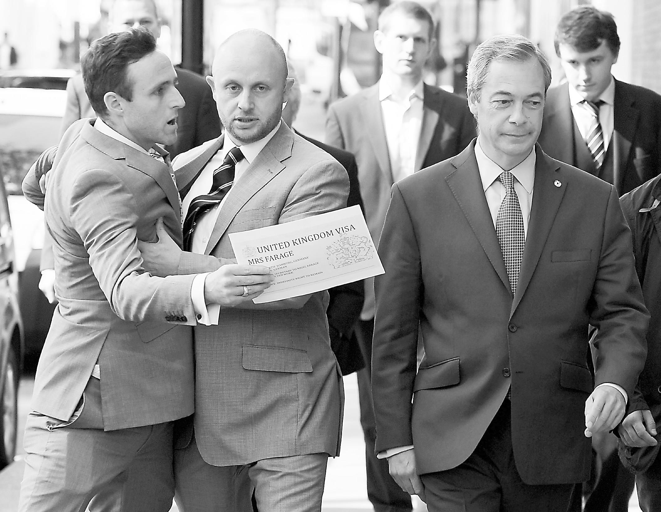 英独立党领袖辞职躲避脱欧残局:已完成政治目标
