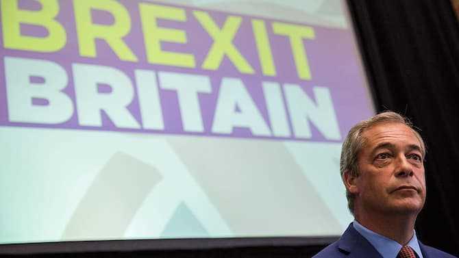 """英国独立党领袖法拉奇突然辞职 称已为""""脱欧""""尽力"""
