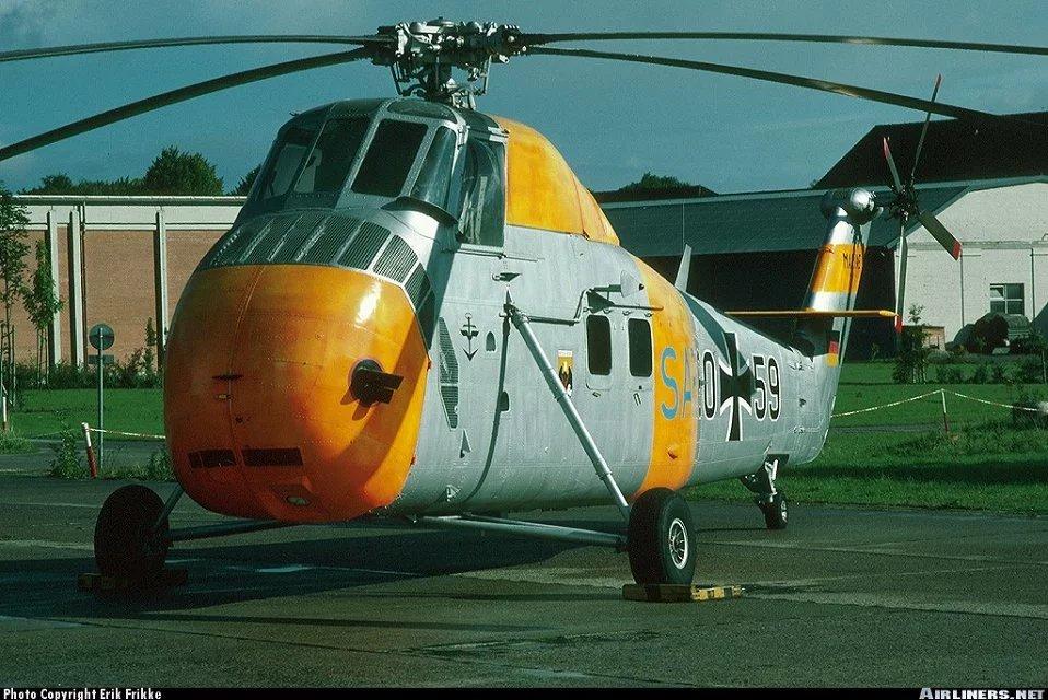 采用单旋翼带尾桨结构,奠定了现代直升机最常用的的气动布局.