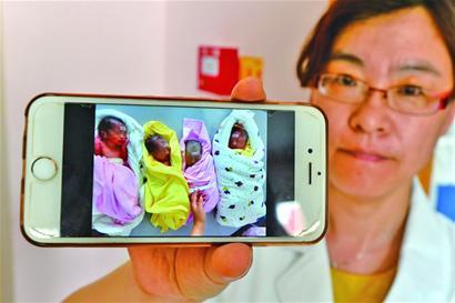 27岁妈妈顺利产下龙凤四胞胎 取名东南西北