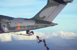 巴西国产KC390运输机战斗力杠杠的