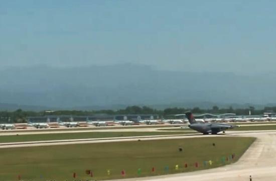 运20转场背景中出现一排新飞机