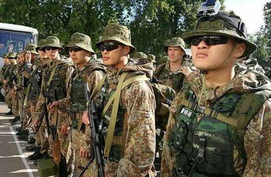 中国武警与俄国民近卫军联训