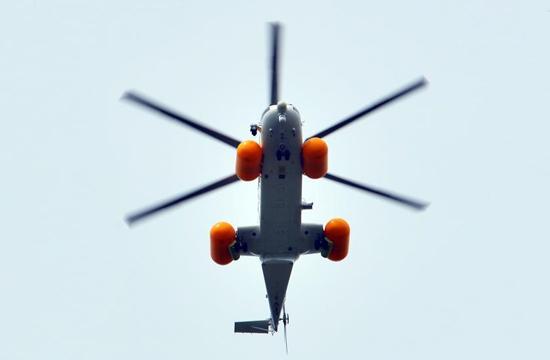 AC313首开国产直升机应急漂浮