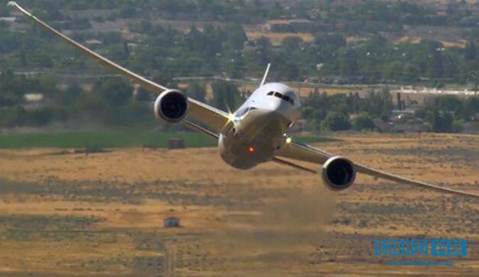 看波音787-9 梦想飞机如何表演精彩的空中特技