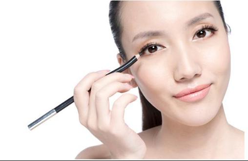 瓷妆解疑:眼线笔、眼线膏、眼线液哪款适合你?