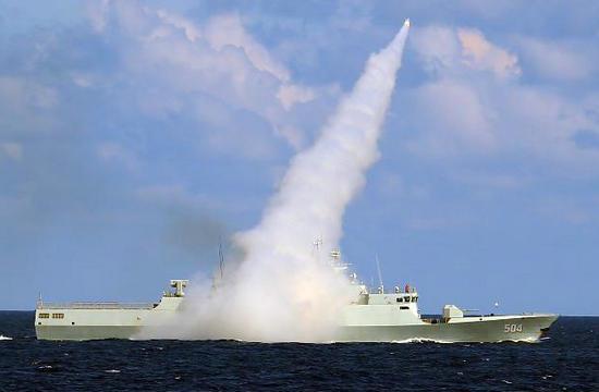 海军司令指导南海大规模演习
