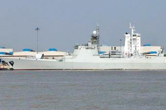 中国船厂加速建造052D驱逐舰