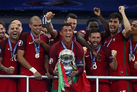 C罗伤退葡萄牙1-0法国首夺冠 替补奇兵绝杀