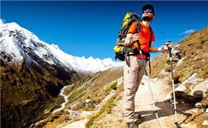 如何挑选最佳的登山杖