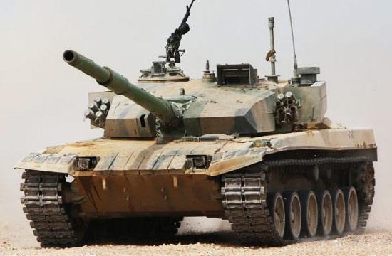 传说中的96B型坦克现身新疆