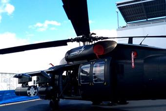 实拍范堡罗航展上黑鹰直升机