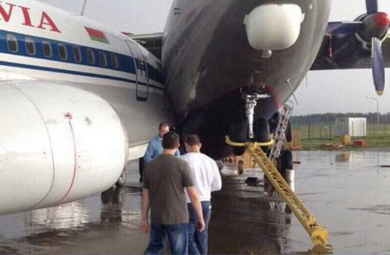 明斯克机场运输机撞上客机