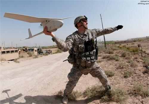 """大兵小机:美军战场侦察用大疆?""""大乌鸦""""手抛无人机何在!"""