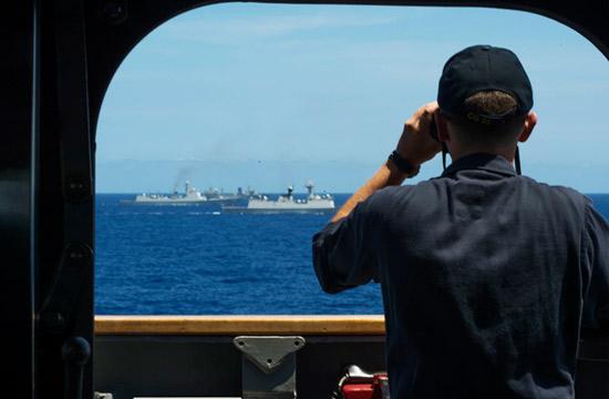 环太军演:中国海军与外军编队