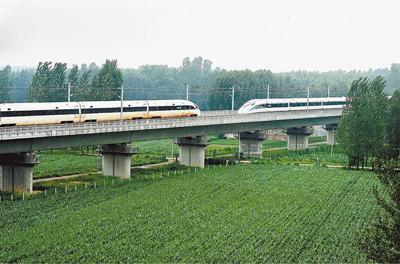 中国标准动车组世界上首次实现时速420公里会车